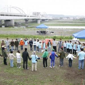 給水ボランティアの朝のミーティング