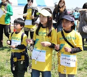 子どもたちもボランティアで参加。